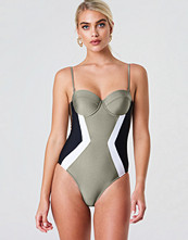 Trendyol Cupped Swimsuit grön