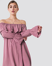 Glamorous Off Shoulder Ruffle Dress - Midiklänningar