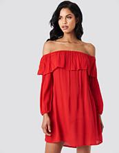 Glamorous Off Shoulder Midi Dress - Midiklänningar