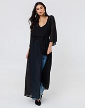 NA-KD Boho Structured Chiffon Coat Dress