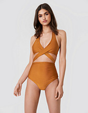 Hannalicious x NA-KD Cut Out Swimsuit