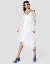 Trendyol Asymmetric Lace Midi Dress
