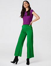 NA-KD Classic Flared Shiny Suit Pants - Byxor