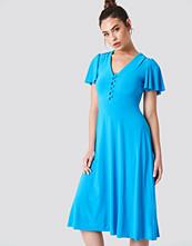 Trendyol V-Neck Buttoned Dress