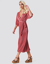 Rut&Circle Lola Plisse Kimono - Maxiklänningar