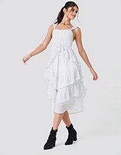 NA-KD Boho Front Gathering Frill Chiffon Dress vit