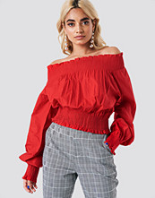 NA-KD Boho Balloon Sleeve Off Shoulder Blouse röd