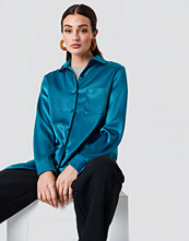 NA-KD Satin Oversized Shirt grön