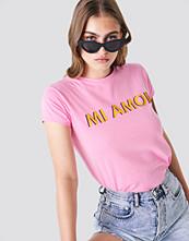 Trendyol Mi Amor Tee rosa