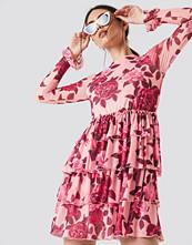 NA-KD Boho Mesh Flounce Short Dress rosa multicolor