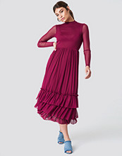NA-KD Boho Mesh Frill Dress röd