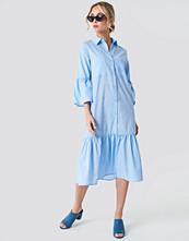 NA-KD Boho Bell Sleeve Shirt Dress - Midiklänningar