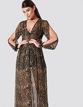 NA-KD Boho Open Sleeve Chiffon Coat Dress brun