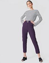NA-KD Turn Up Belted Pants - Kostymbyxor