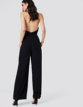 NA-KD Party Open Back Halterneck Jumpsuit