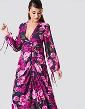NA-KD Boho Balloon Sleeve Drawstring Maxi Dress rosa multicolor