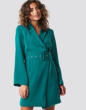 Hannalicious x NA-KD Blazer Dress grön blå