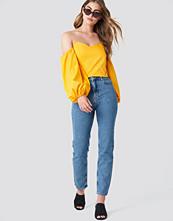 NA-KD Urban Branded Jeans