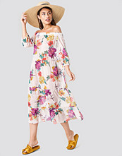Trendyol Off Shoulder Flower Dress beige /