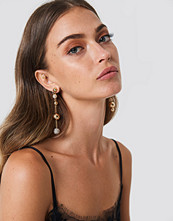 NA-KD Accessories Asymmetric Hanging Globes Earrings - Smycken