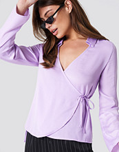 NA-KD Wrap Over Satin Shirt lila