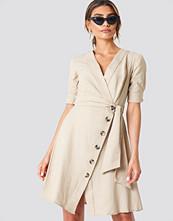 Trendyol Tie Waist Buttoned Dress beige
