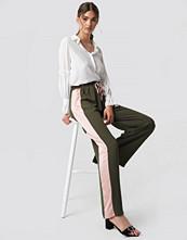 Glamorous Wide Striped Pants grön