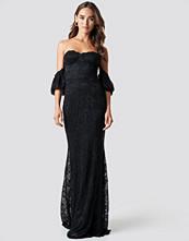 Trendyol Carmen Lace Maxi Dress