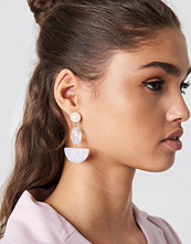 NA-KD Accessories Halfmoon Stone Earrings vit lila