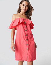 Trendyol Buttoned Off Shoulder Midi Dress