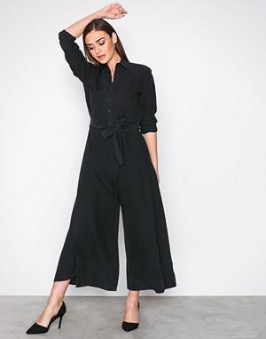 12c79f0bda8c Polo Ralph Lauren Black DNA Jumpsuit - Fashionstreet.no