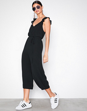 529afcc060 New Look Black Ruffle Strap Jumpsuit - Fashionstreet.no
