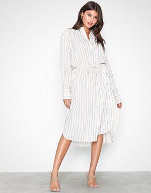 Munthe kjole, Anyway