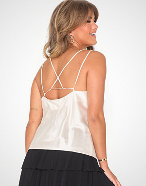 NLY Trend singlet, Strappy Detail Top