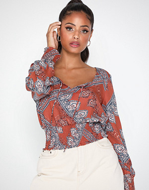 Only bluse, Onldiana L/S Cropped Top Wvn