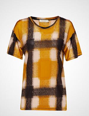 Rabens Saloner T-skjorte, Geometric T-Shirt T-shirts & Tops Short-sleeved Gul RABENS SAL R