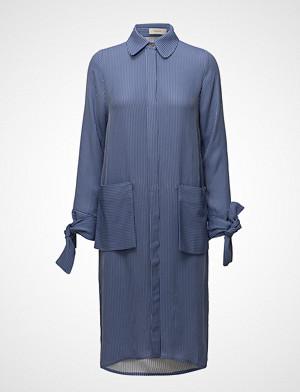 ÁERON kjole, Big Pocket Shirt Dress Knelang Kjole Blå ÁERON