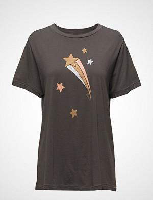 Rabens Saloner T-skjorte, Stella T-Shirt