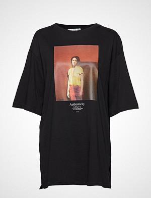 Mango T-skjorte, Cotton Printed T-Shirt T-shirts & Tops Short-sleeved Svart MANGO