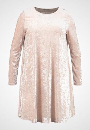 Glamorous Curve kjole, EASY SHIFT DRESS Jerseykjole cream