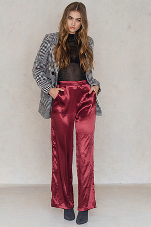 NA-KD Party bukse, Metallic Flared Pants röd