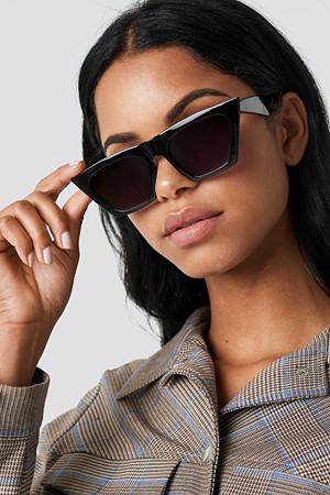 NA-KD Accessories solbriller, Sharp Square Cateye Sunglasses svart